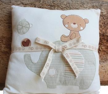 Kinderkissen Teddy und Elefant
